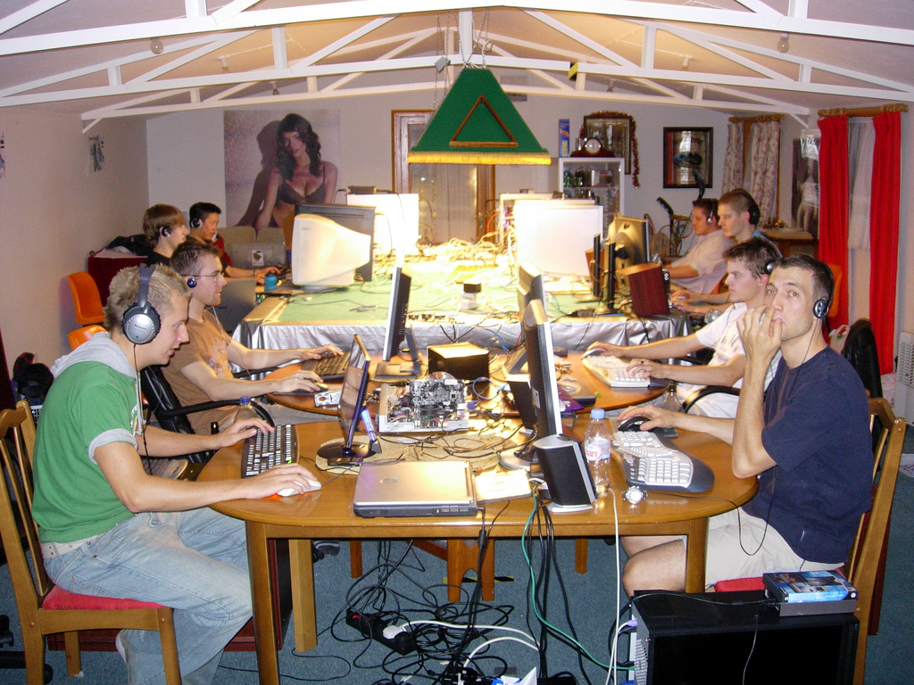 Private-LAN-Party.jpg
