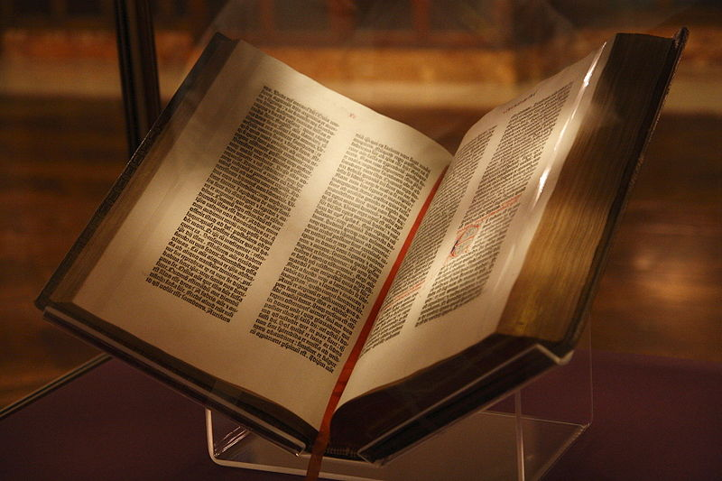 800px-Gutenberg Bible, New York Public Library, USA. Pic 01.jpg